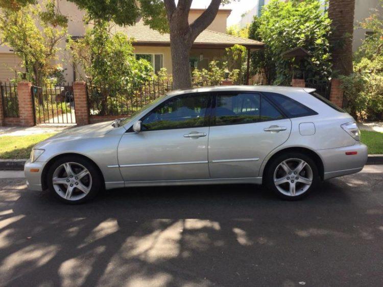 Lexus IS 300 à hayon 2002