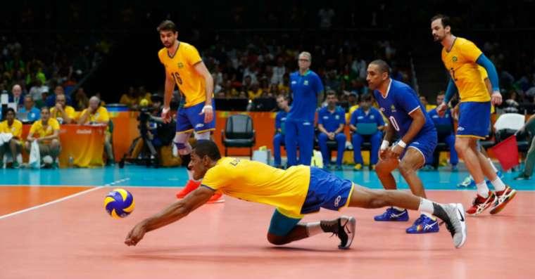Top 10 des meilleurs joueurs de volleyball    Liste 2021 mise à jour