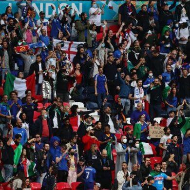Euro 2020 : les supporters anglais se préparent pour le Danemark